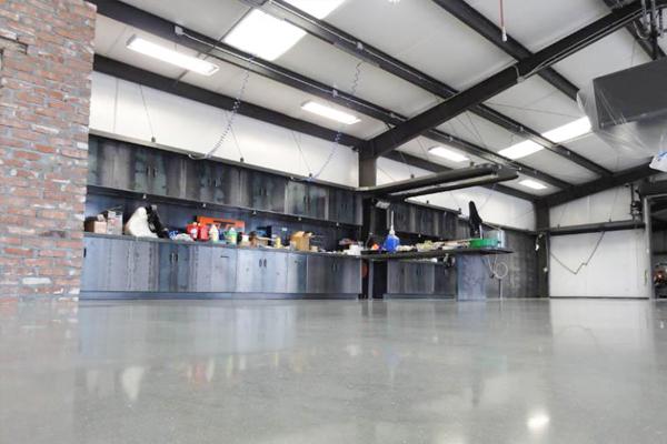 密封固化剂地坪应用范围-维修车间