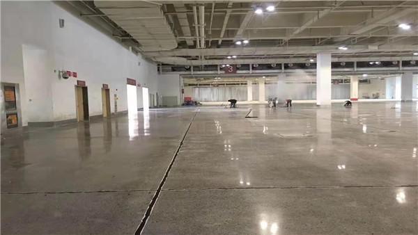 密封固化剂地坪为破烂的工业车间地面带来福音