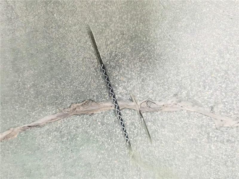 巴斯夫聚氨酯砂浆地坪细节处理