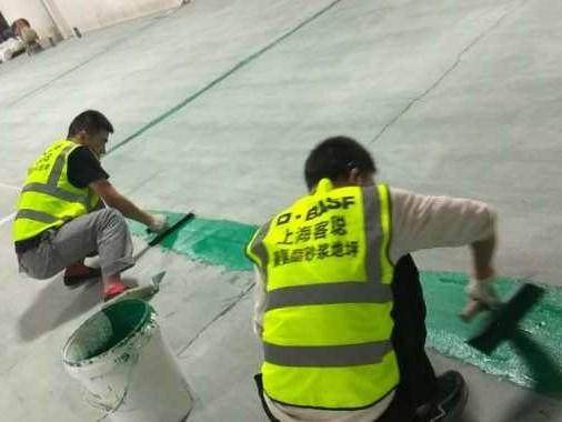 聚氨酯砂浆地坪施工细节处理
