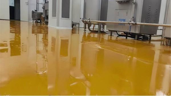 聚氨酯砂浆自流平在实际应用中有什么特点?【客聪地坪】
