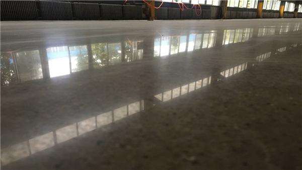 客聪为您解答旧地面翻新固化剂地坪设计的好处
