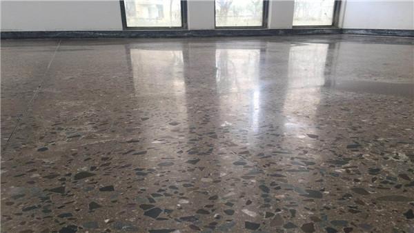 密封固化剂地坪让企业的地坪时刻保持最佳状态